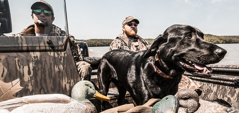 Tips For Buying A Waterfowl Hunting Boat