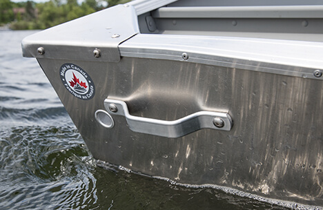 Crestliner 1458 Outreach | Heavy Duty 14 ft Aluminum Boat