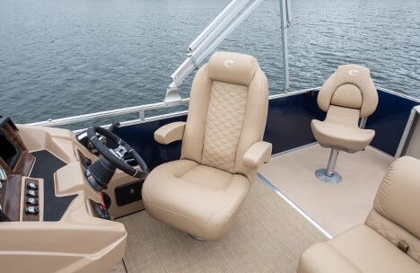 Helm with Highback Recliner