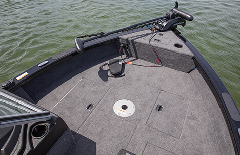 Bow Casting Platform with Livewell & Storage