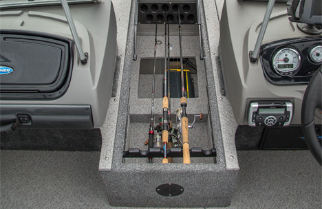 Center Rod Locker with Battery Storage