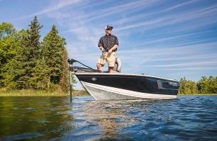 1650 Fish Hawk Fishing