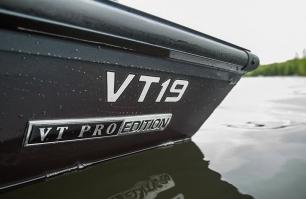 VT 19 Nameplate