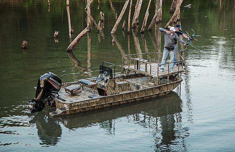 18 39 bow fishing boat 1800 arrow for Bow fishing boats