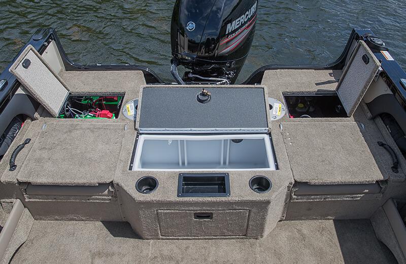 Stern Deck Storage & Livewell