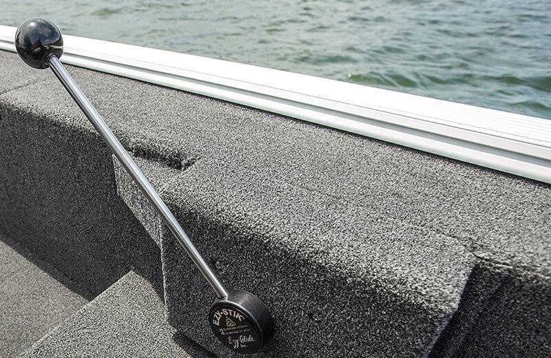 Crestliner 1657 Outlook | Stick Steer Aluminum Crappie Boats