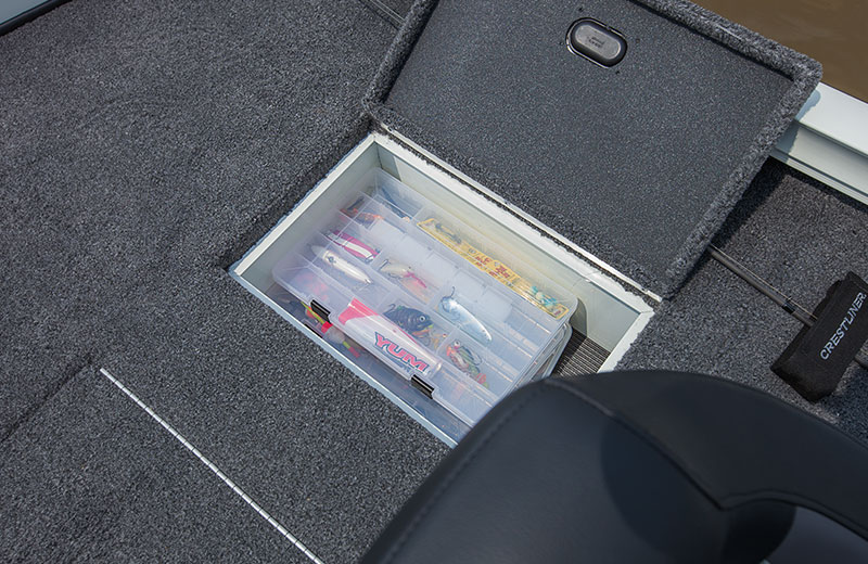Stern Tackle Tray (Port and Starboard) Storage