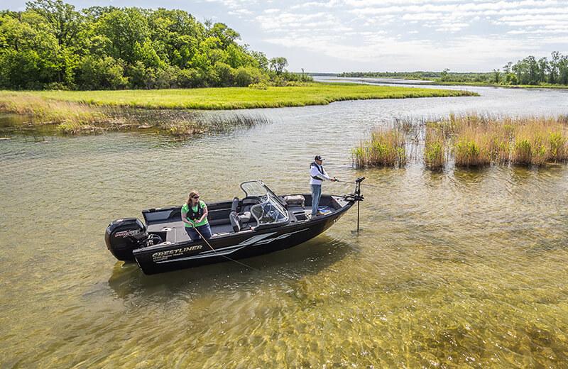 Crestliner 1750 Super Hawk | 17 Foot Aluminum Ski and Fish Boats on