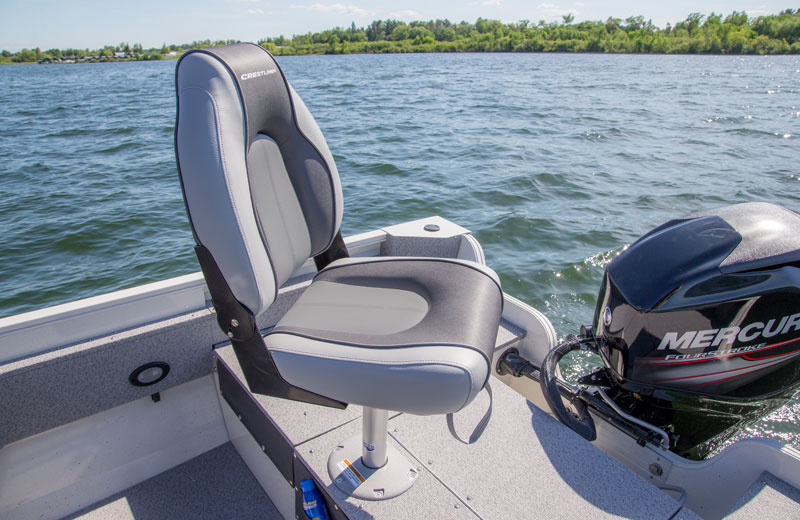 1600 Vision Stern Pedestal Seat