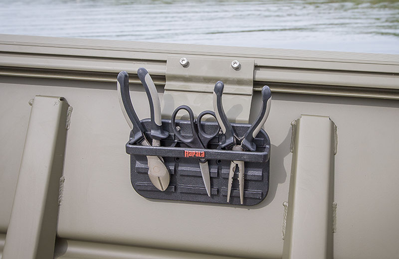 Crestliner 2070 retriever jon mod v jon boat for fishing for Fishing tool holder