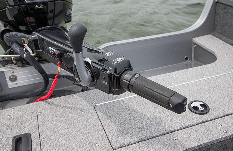 Crestliner 1650 Pro Tiller 16 Foot Aluminum Tiller Boat
