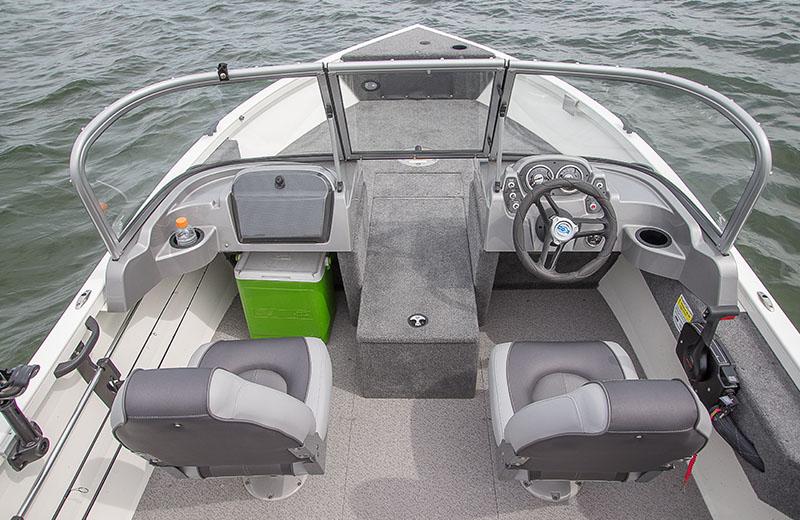 Crestliner Vision 1700 Aluminum Fishing Boat