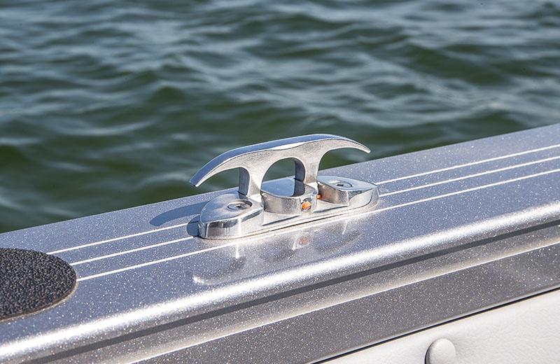 Crestliner 1650 super hawk 16 foot aluminum fish and ski for Aluminum fish and ski boats